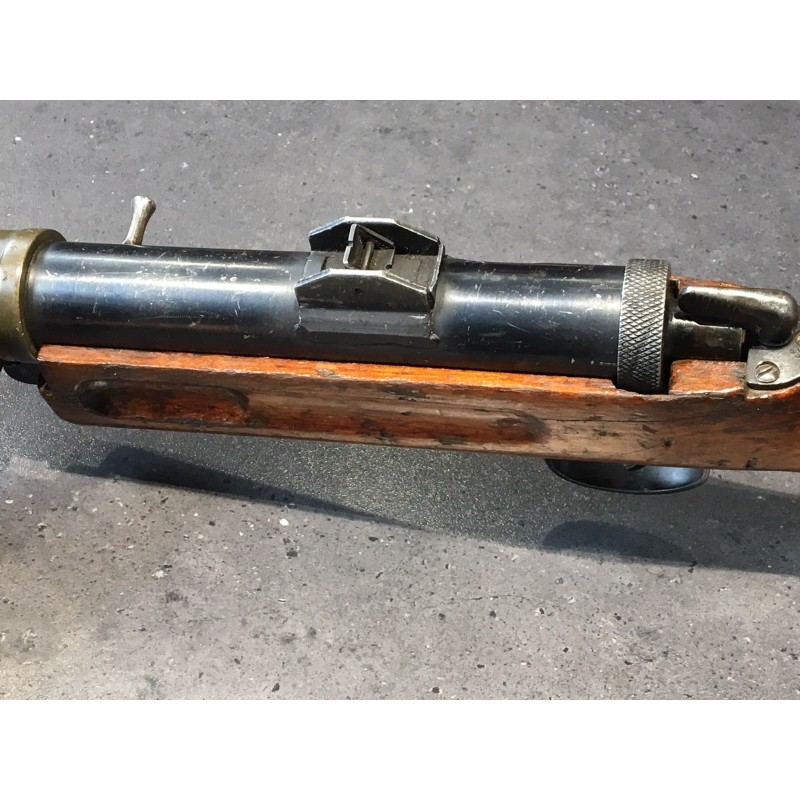 Pistolet samopowtarzalny wytworzony na bazie PM Lanchester MK1